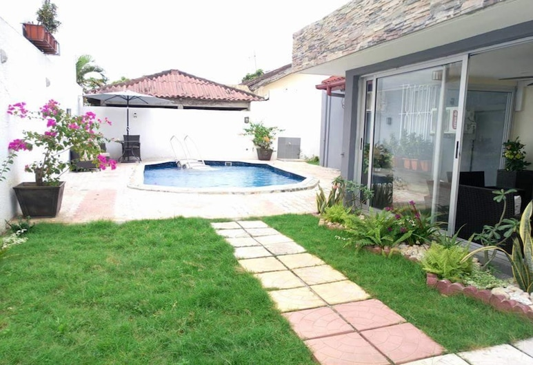 Villa Les Jardins - In Abidjan (Deux Plateaux), Abidjan