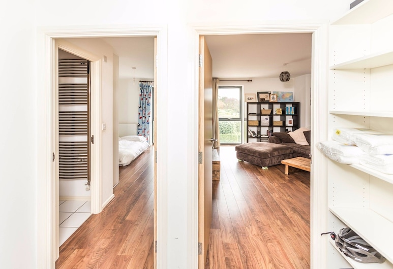 Beautiful and New Home for 5 in West Cambridge, เคมบริดจ์
