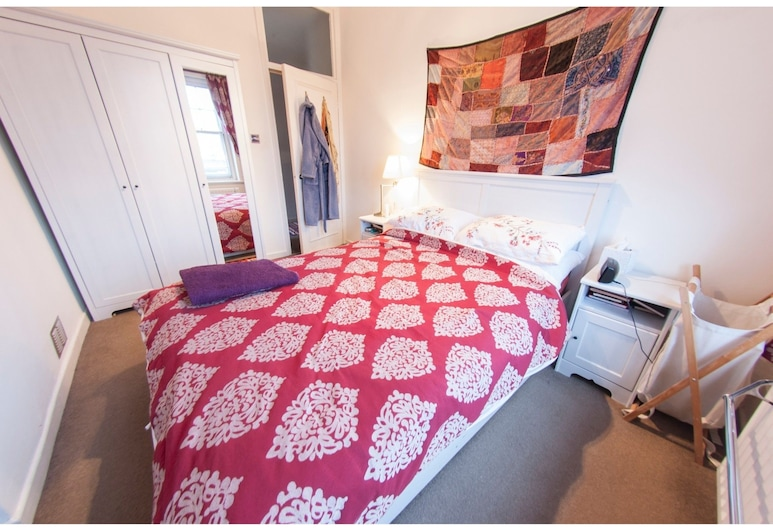 Charming 1-br Upper Holloway Flat For 2, Londres, Chambre