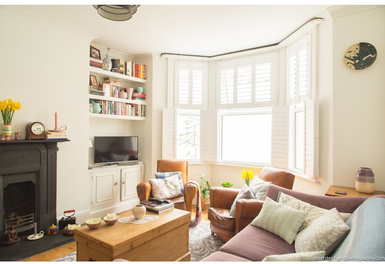 Bright Victorian House in Brighton, Brighton, Living Area