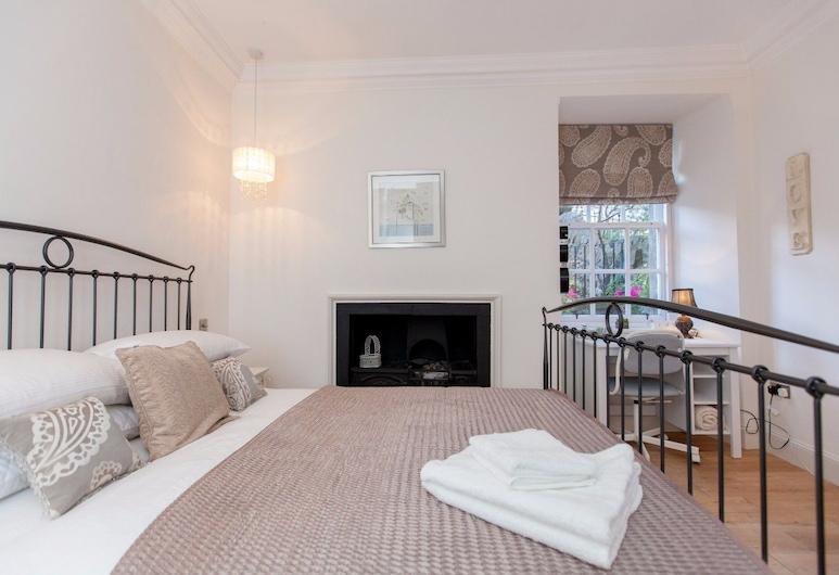 Central Cosy Home for 6 in Edinburgh, Edinborg, Hús (3 Bedrooms), Herbergi