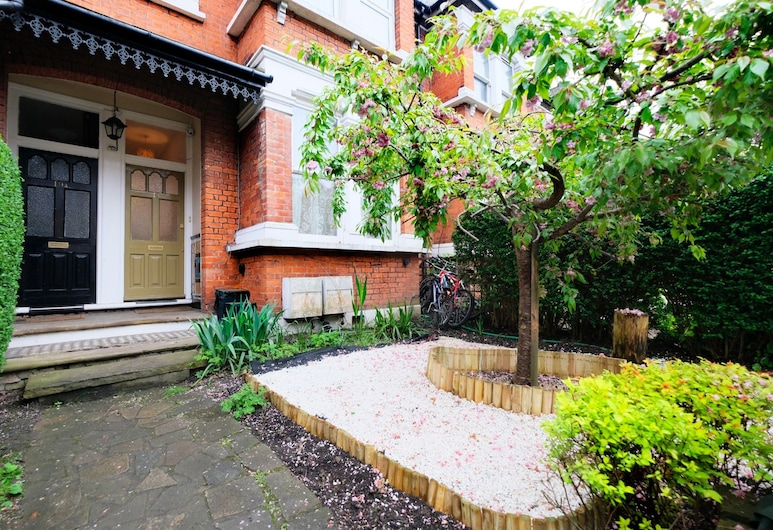 Lovely 1BR Edwardian House For 4 in North London, London
