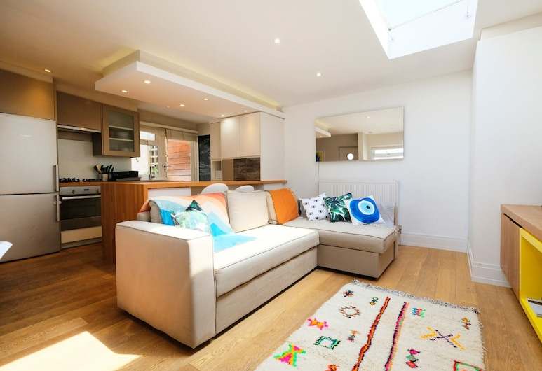 Modern, Newly Furnished Flat for 4 in Peckham, London