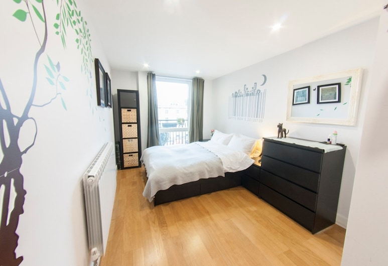 Quiet, Spacious 1BR Hackney Central Flat for 3, London, Szoba