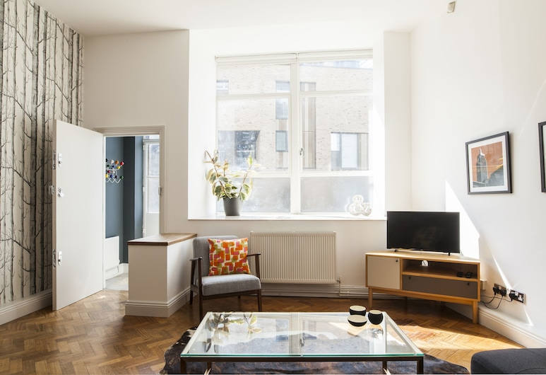 Newly Refurbished 2-bedroom Flat in Shoreditch, London, Apartment (2 Bedrooms), Wohnzimmer