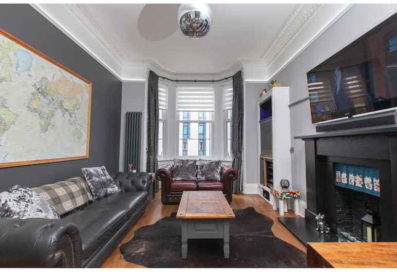 Stylish Victorian City Centretenemant for 4, Edinburgh