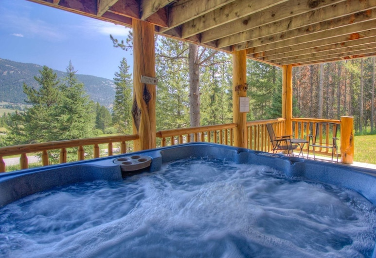 Big Sky - Bear Track Lodge, ביג סקיי, אמבט ספא חיצוני