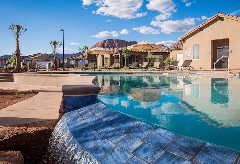 PVZ #67: Million Dollar View at Paradise Village, Santa Clara, Kültéri medence