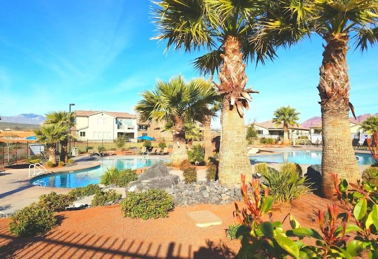 PVZ #74: Desert Palms at Paradise Village, Santa Clara, Utendørsbasseng