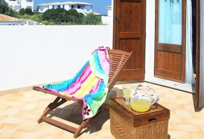 House With 2 Bedrooms in Calasetta, With Furnished Terrace - 400 m From the Beach, Calasetta