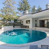 7BR Bosphorus Villa Sauna Jakuzi Hamam Lift 5 Floor Luxury Villa