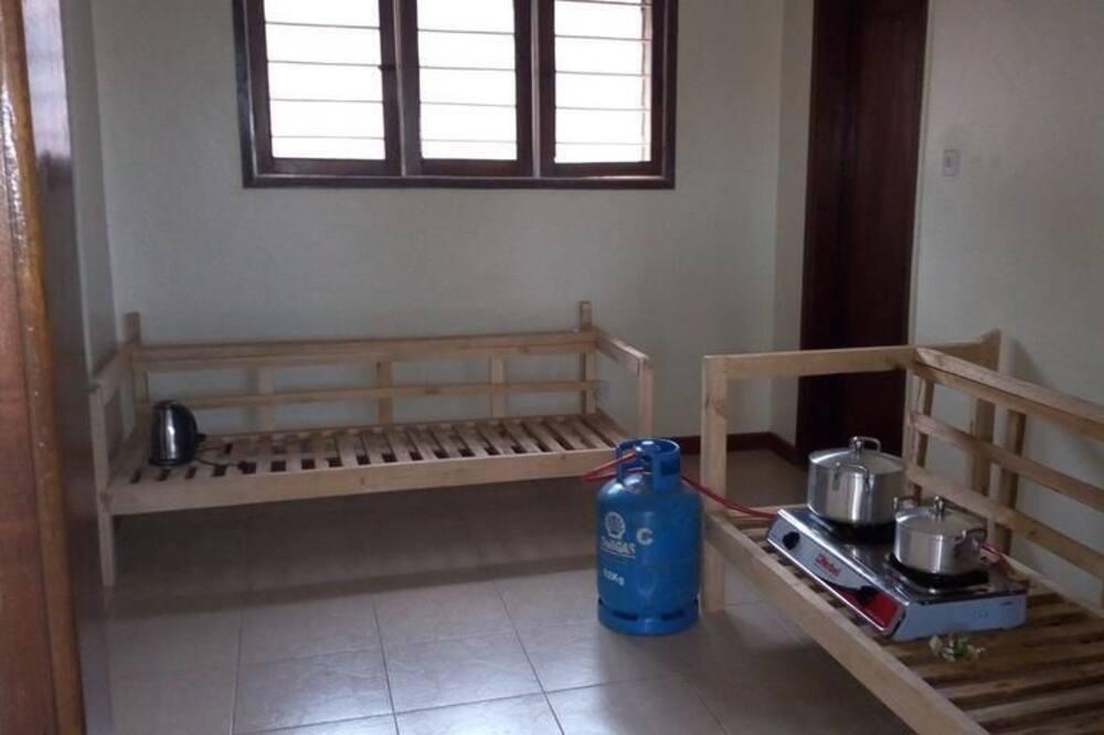 基本共用宿舍, 僅限女士, 共用浴室 - 共用廚房