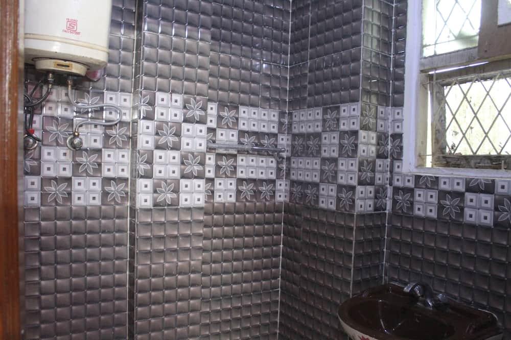 AC Super Deluxe - Bathroom