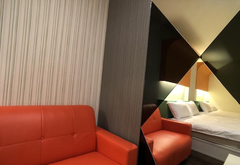 Fengjia 21, טאיצ'ונג, חדר משפחתי לארבעה, מספר מיטות, ללא עישון, חדר אורחים