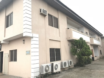 Hình ảnh Grand Riviera Suites tại Enugu