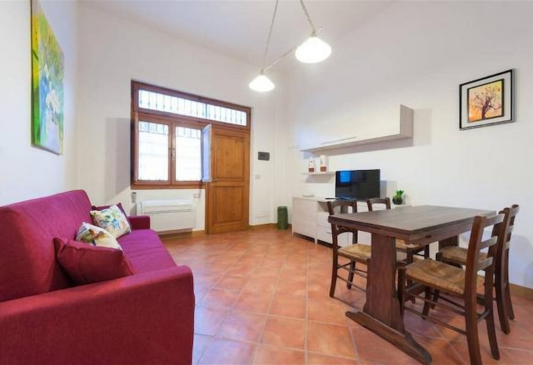 A Different Side of Florence, Florence, Apartment, 1 Bedroom, Living Area