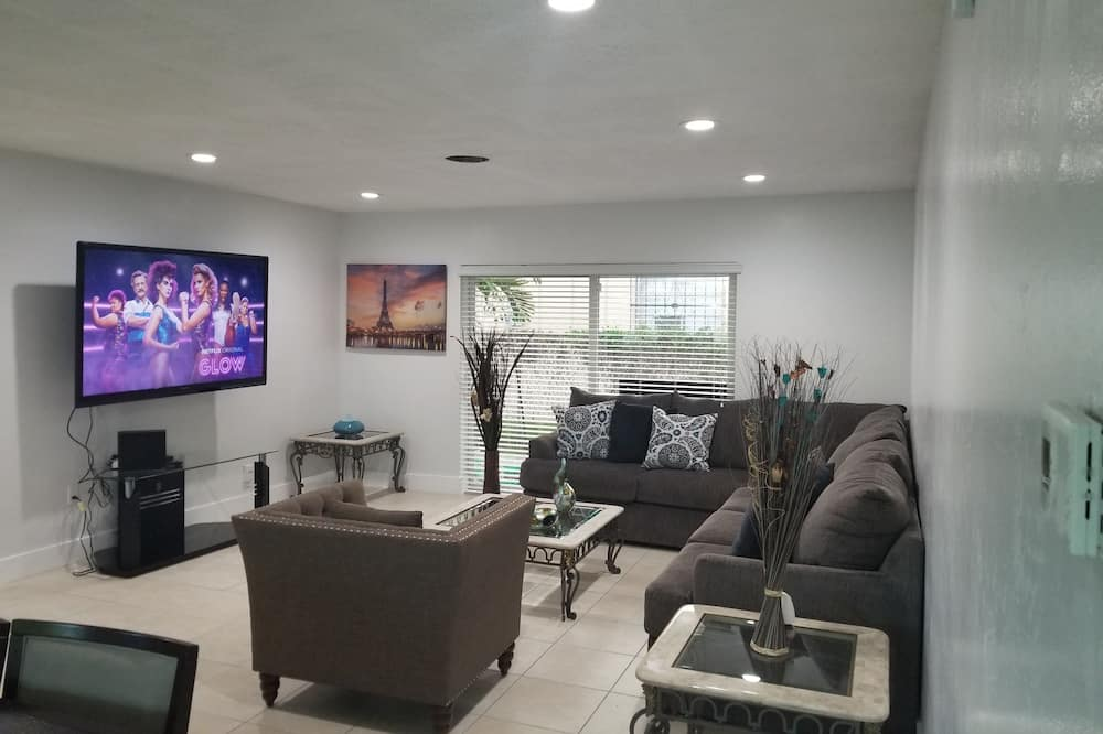 Paaugstināta komforta māja, vairākas gultas, nesmēķētājiem - Dzīvojamā istaba
