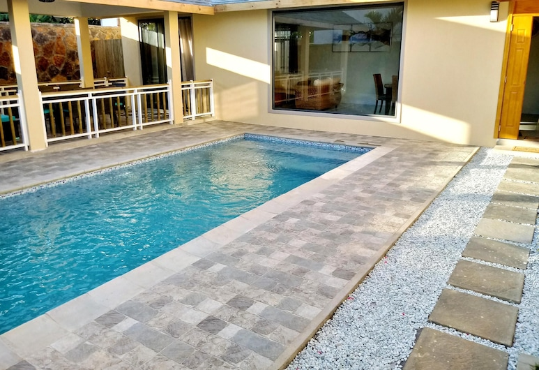 Villa With 3 Bedrooms in Pointe aux Canonniers, With Private Pool, Enclosed Garden and Wifi - 100 m From the Beach, Grand-Baie, Pool