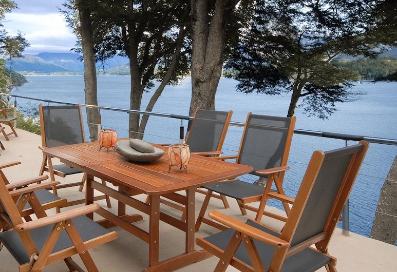 Magnificent 3Bedr Villa on the lake H47, San Carlos de Bariloche