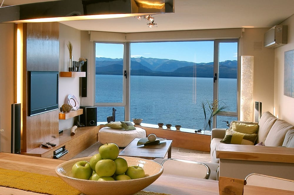 Deluxe apartman, 2 hálószobával, kilátással a tóra - Nappali rész
