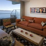 Exclusive Apartment, 3 Bedrooms, Lake View - Living Area