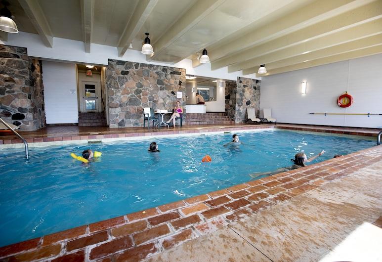 Elmhirst's Resort - On a lake, Otonabee-South Monaghan, Innen-/Außenpool