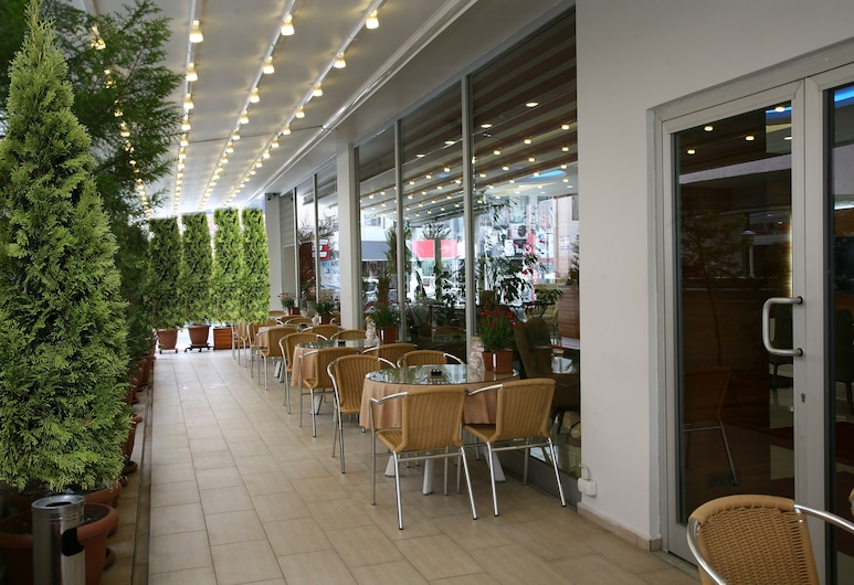 Hotel Avcilar City, Estambul, Restaurante al aire libre