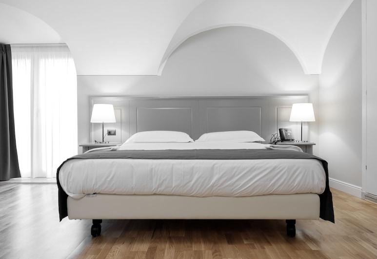Hotel De Ville, Genoa, Luxury Duplex, Guest Room