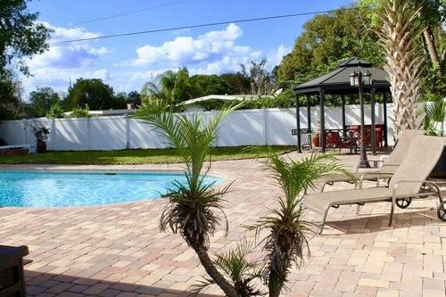 カサアロマ-素晴らしいプールと巨大な裏庭のあるエレガントなウィンターパークハウス!!/