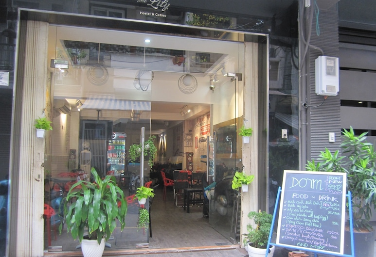 The Lily Hostel and Coffee, Ho Chi Minh City, Interior Entrance