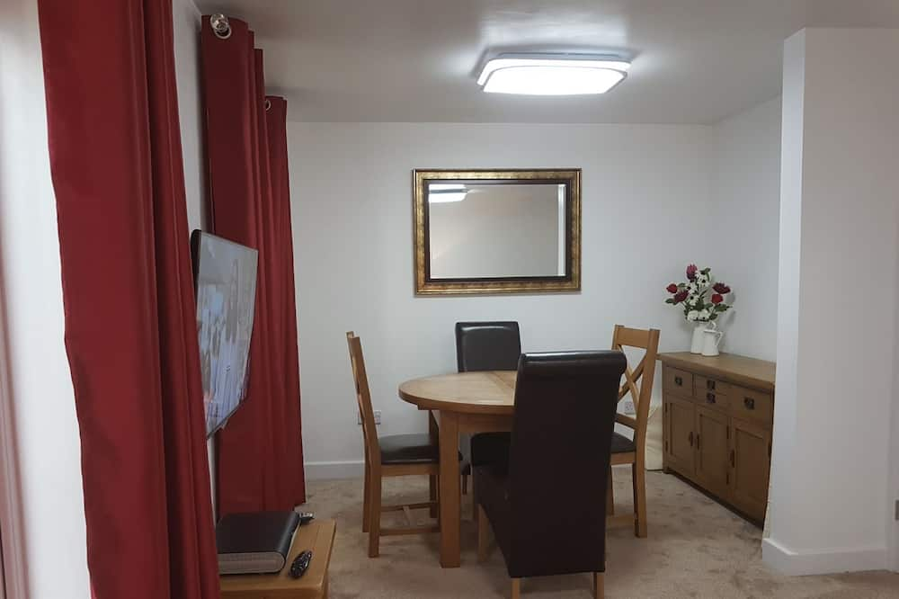 Deluxe Cottage, 1 Bedroom - In-Room Dining