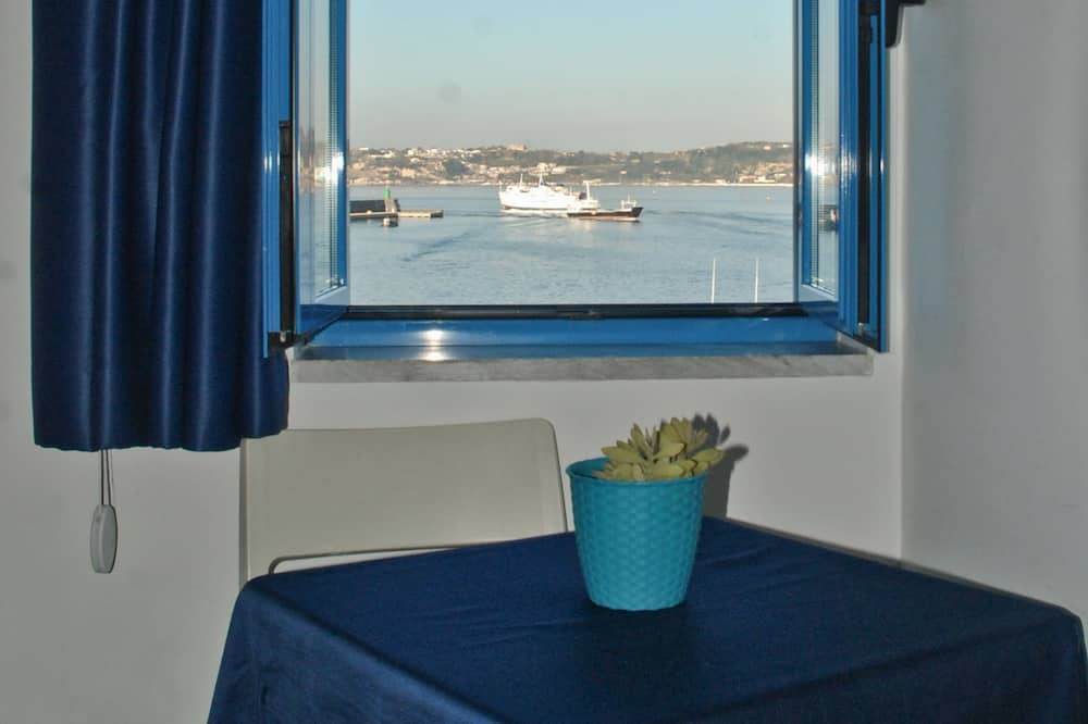 Double Room, Terrace, Sea View - In-Room Dining