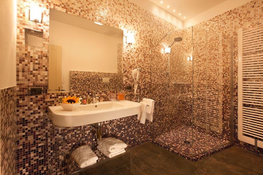 Романтический люкс, 1 двуспальная кровать «Квин-сайз» - Ванная комната