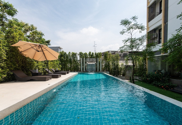 Baan Oliver Srinakarin, Bangkok, Outdoor Pool