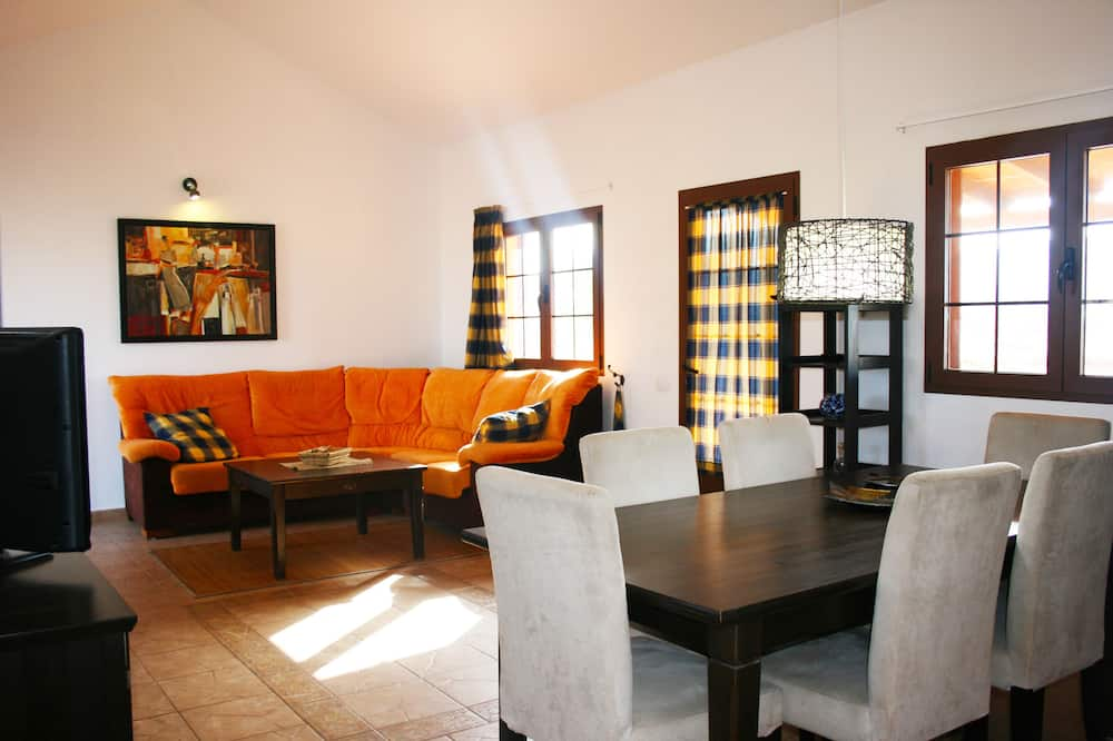 Panoramic Villa, 3 Bedrooms - Living Room