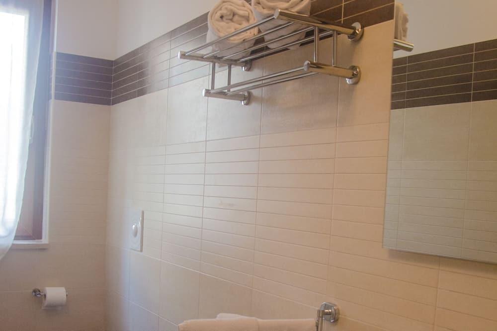 Familienzimmer, 1 Queen-Bett - Badezimmer