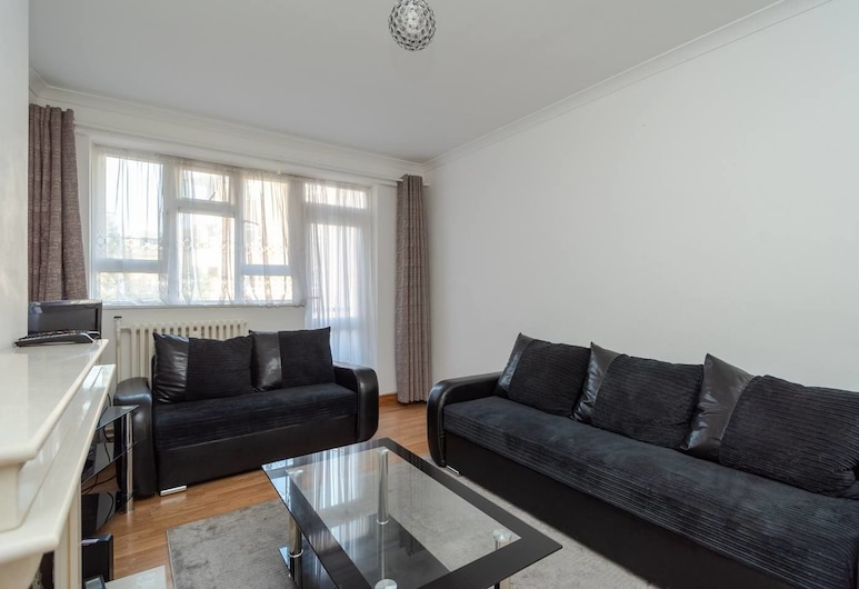 Well Connected Cosy 2 Bedroom Home, London