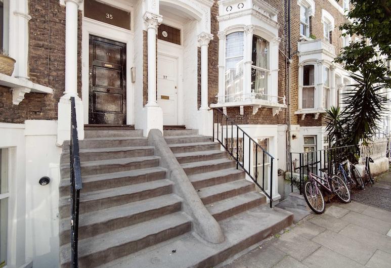 Bright Gratton Road Apartment - KV02, London, Sissepääs