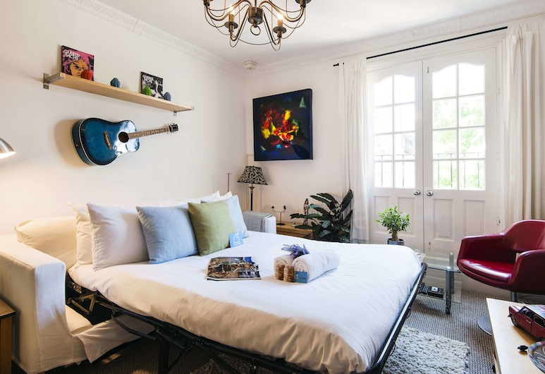 Stunning Orbain Road House - BYG, London, Apartment, Wohnbereich