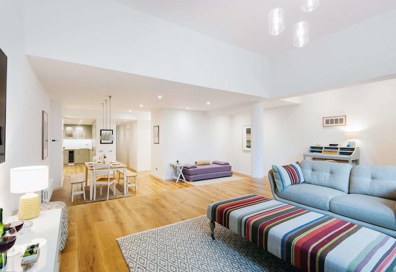 The Earl's Court Square Garden Apartment - ALBS, London, Apartment, Wohnzimmer
