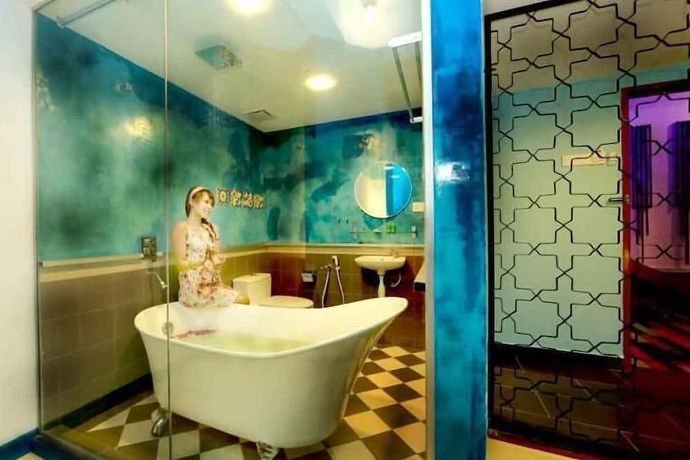 Улучшенный номер, 1 двуспальная кровать «Кинг-сайз» - Ванная комната