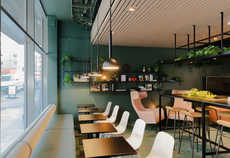 Citybox Danmarksplass, Bergen, Sohvabaar fuajees