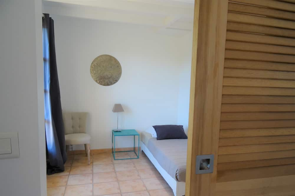 Family Suite, 2 Bedrooms, Private Bathroom, Pool View (Montmirail) - Bilik Tema Kanak-kanak