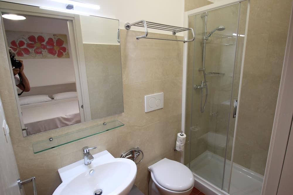 Standaard tweepersoonskamer, privébadkamer - Badkamer