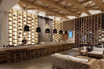 在上海的上海浦东机场江镇亚朵 S 店照片