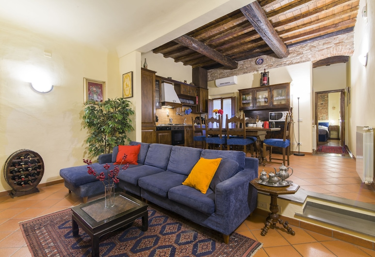 Florence Ariento Romantic Apartment, Florence, Apartment, 2 Bedrooms, Living Area