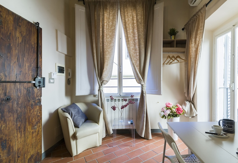 Lambertesca Mono, Florence, Studio, Eetruimte in kamer