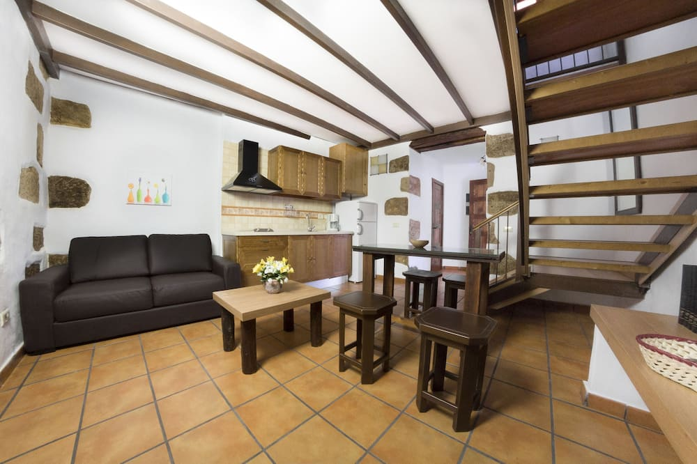 Apartment, 1 Bedroom, Terrace, Valley View - Living Area