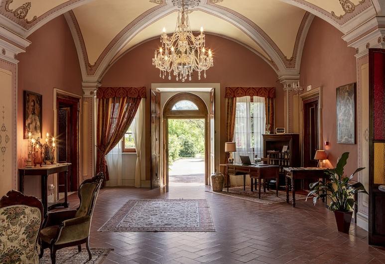 Hotel Villa San Michele, לוקה, לובי