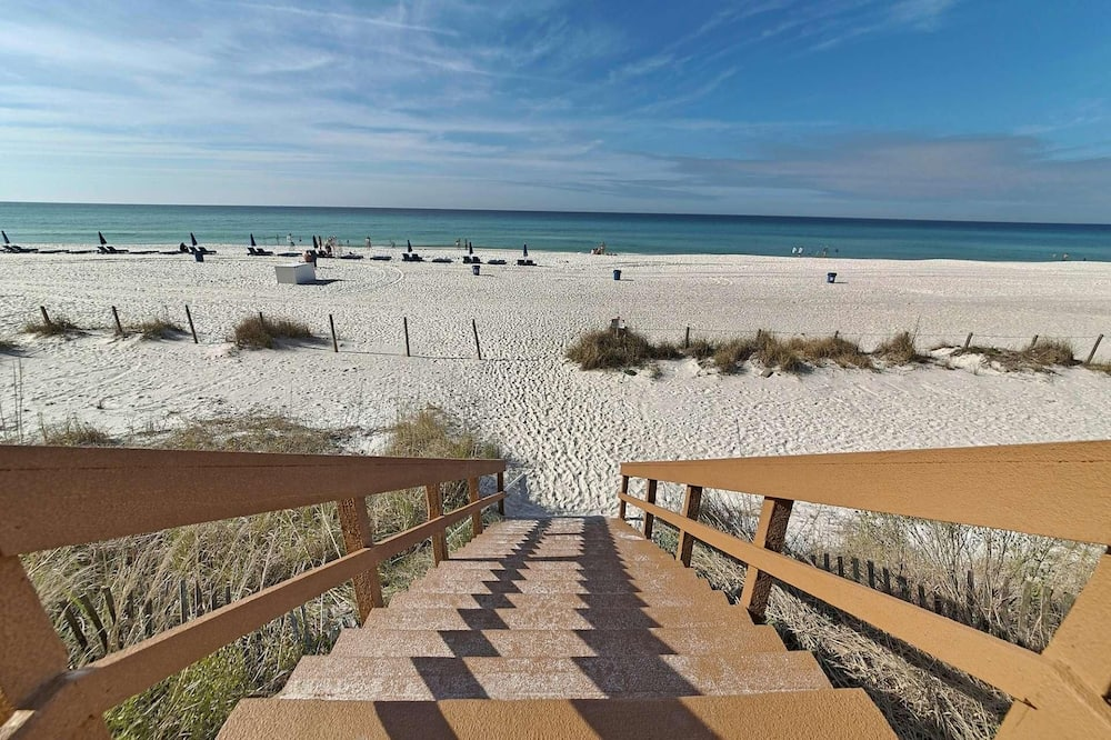 Condo, Multiple Beds (Majestic Beach Resort Tower I 1902 (4) - Beach